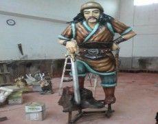 Crazy Dumrul Statue