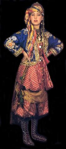 Traditional bridal (but also: general festive) village costume from the province of Isparta. Ethnic Outfits, Ethnic Dress, Traditional Fashion, Traditional Outfits, Folklore, Costume Ethnique, Turkish Wedding, Costumes Around The World, Traditional Wedding Dresses