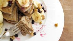 Blender Pancakes   www.veggiesdontbite.com   #vegan #glutenfree #plantbased via @veggiesdontbite