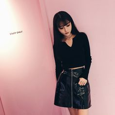[Darker than Black] Black Thin V-Neck Shirt SD01081