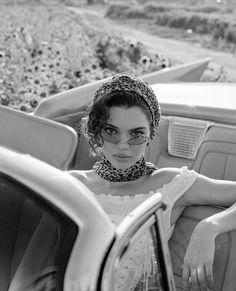 Kendall Jenner in Xtreme Cateye Sunglasses Kendall Jenner Face, Kendall Jenner Images, Kyle Jenner, Kylie Jenner Outfits, Kendall And Kylie, Kendall Jenner Hairstyles, Kendall Jenner Photoshoot, Le Style Du Jenner, Selfies
