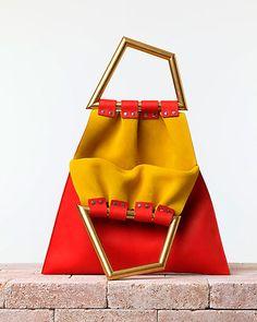objeto del deseo - bolso en forma de triangulo de Celine
