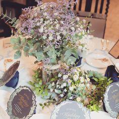 #チャペル#チャペル装花 チャペルが雰囲気がある所なので至ってシンプルに(*´ω`*) ❁ #高砂#高砂装花#テーブル装花#ゲストテーブル装花 なぜか旦那さんが小花系とか野花系にこだわり、私は#キングプロテア と#ユーカリ が使いたくて(๑ ́ᄇ`๑)あとドライ系♡ 私達のわがままな要望を全部実現して想像以上に仕上げてくれた#フローリスト さんはさすがでした(*꒦ິㅂ꒦ີ) 会場全体がユーカリの爽やかな匂いに包まれ本当に幸せでした(❁´ω`❁) ❁❁❁❁❁❁❁❁❁❁❁❁❁❁❁❁❁❁❁❁❁❁❁ #wedding#結婚式#卒花#卒花レポ#marryxoxo#Chami114#ちーむ1104