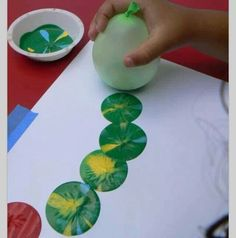 Painting with Balloons... What an awesone idea!!!