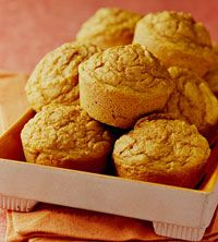 Art For Thanksgiving or Christmas breakfast or brunch, serve these diabetic food plan fruit muffins. The applesauce and pumpkin make them moist, low-fat, healthful, and delicious. foods-to-try Ww Recipes, Muffin Recipes, Diabetic Recipes, Breakfast Recipes, Dessert Recipes, Diabetic Breakfast, Diabetic Muffins, Diabetic Desserts, Breakfast Bars