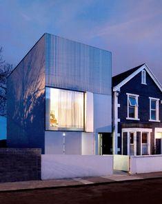 GRANGEGORMAN RESIDENCE / ODOS ARCHITECTS . house . ireland . pieces . facade patio . privacy . white . cube