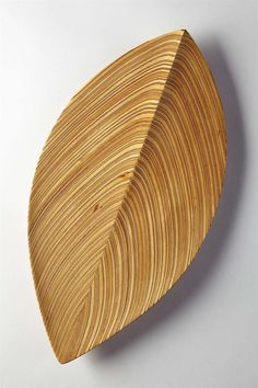 View this item and discover similar for sale at - Wooden dish in hand-carved aeroplane veneer. designed by Tapio Wirkkala for Soine et Kni, Finland. Nordic Design, Scandinavian Design, Glass Design, Wood Design, Wooden Ladle, Ceramic Turtle, Linen Baskets, 1950s Design, Vase Crafts