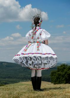 Folk Dancing Wallpaper 64 Ideas For 2019 Art Costume, Folk Costume, Folklore, Costumes Around The World, Hungarian Embroidery, Grilling Gifts, Folk Dance, Camping Gifts, My Heritage