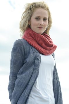 eddy cowl (longer version) by elizabeth doherty / in quince & co. piper