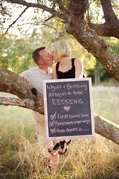 Love this pregnancy announcement... definitely saving for later! :)