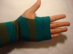 socks into fingerless gloves - wanna make!