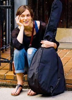 Keira Knightley sẽ vào vai một nhà soạn nhạc giàu cảm xúc trong Begin Agian - Yêu cuồng si.