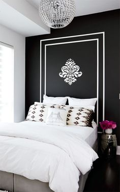 fresh bedroom, youthful bedroom, black walls, painted headboard, black and white bedroom Black Accent Walls, Black Walls, White Walls, My New Room, My Room, Spare Room, Girl Room, Home Interior, Interior Design
