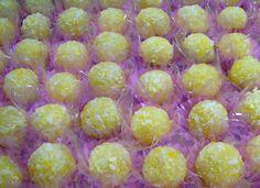 Na Cozinha da Margô: Beijinhos de Abacaxi