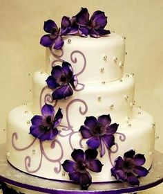 Cake is so beautiful would love this in royal blue and ice blue