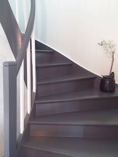 S7000n, Silkeline: Trapp før og nå House Staircase, Stairs, Painted Staircases, Cabana, Installation Art, Paint Colors, Home Improvement, Sweet Home, New Homes