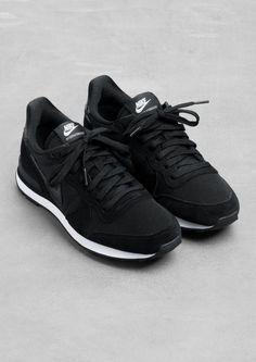 Image result for zapatillas negras para bailar correr y salir
