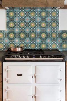 Oud eiken landelijke keuken : landelijke Keuken door RestyleXL Modern Design, Decorative Boxes, Doors, Inspireren, Home Decor, Decoration Home, Room Decor, Contemporary Design, Home Interior Design