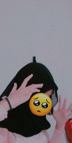 Aesthetic Hoodie, Aesthetic Girl, Wallpaper Iphone Disney, Galaxy Wallpaper, Anime Neko, Kawaii Anime, Cool Boy Image, Hijab Cartoon, Wallpaper Aesthetic