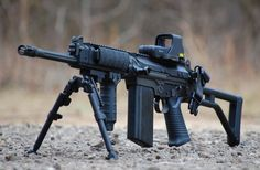 A modified FN FAL carbine is both a practical and a sexy rifle. If I lived in the states would own at least one.