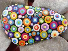 Deko-Objekte - Handbemalter Stein (Kunterbunt) - ein Designerstück von LotsDots... - #DekoObjekte #Designerstück #Ein #Handbemalter #Kunterbunt #LotsDots #Stein #von