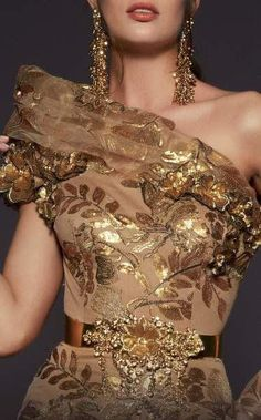 Long Sleeve Evening Gowns, Gold Gown, Mermaid Gown, Mermaid Skirt, Couture Details, Haute Couture Fashion, Haute Couture Dresses, Prom Dresses Online, Gold Fashion