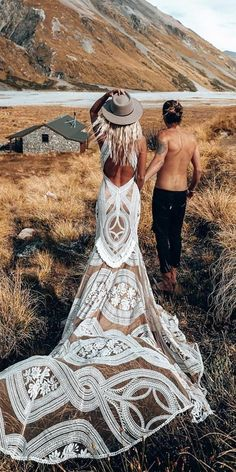 Such a wondrous boho wedding dresses, the lace, the neckline, simply remarkable. This dresses are a hot trend. The best dresses for boho wedding are here. Weddings 39 Boho Wedding Dresses Of Your Dream Boho Wedding Dress With Sleeves, Country Wedding Dresses, Bohemian Wedding Dresses, Dream Wedding Dresses, Boho Dress, Bridal Dresses, Wedding Gowns, Wedding Bride, Wedding Ideas