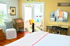 Charming Studio in NW on Couch St in Portland (pearl district)