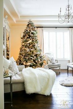 Deck the Halls Christmas Home Tour - Romantic Christmas Bedroom- tips for an elegant, white christmas bedroom - flocked wreath