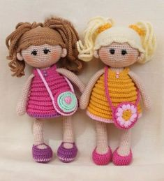 muñecos a crochet paso a paso hechos Pochette Portable, Free Crochet Doll Patterns, Crochet Doll Tutorial, Doll Amigurumi Free Pattern, Amigurumi Doll, Knitting Patterns, Crochet Craft Fair, Cute Crochet, Crochet Hooks