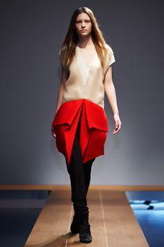 Vionnet Parigi - Collections Fall Winter - Shows - Vogue. Catwalk Fashion, Fashion Show, Fashion Design, Paris Fashion, Kinds Of Clothes, All About Fashion, Couture Collection, Trendy Outfits, Nice Dresses