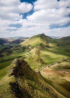 I feel so lucky to live quite close to here, such an amazing landscape! Chrome Hill, Peak District, England by Dave Button Peak District England, England And Scotland, England Uk, Oxford England, Cornwall England, Yorkshire England, Yorkshire Dales, London England, Northern England