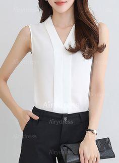2017 New Summer Style Tops Women Sleeveless Chiffon Shirt Female V-neck Chiffon Blouses White Red Blusas Feminina Business Outfits, Business Attire, Chiffon Tops, Chiffon Blouses, Chiffon Shirt, Sleeveless Shirt, Beautiful Blouses, Korea Fashion, Elegant Outfit
