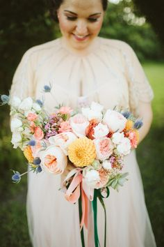 Pink garden rose bouquet | Photo by  TESSA J | Read more - http://www.100layercake.com/blog/?p=78358 #rustic #wedding #bouquet
