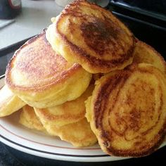 Fried Corn Bread (Corn Bread Mini Pancakes) cup self-rising cornmeal 2 tablespoon flour 1 egg 1 tablespoon sugar 8 tablespoon bacon drippings 1 water - although I usually make with jiffy cornbread mix Mini Crepe, Fried Cornbread, Cornbread Recipes, Cornmeal Cornbread, Mini Pancakes, Corn Pancakes, Cornmeal Pancakes, Waffles, Hoe Cakes