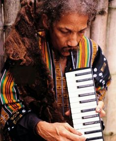 The great Pablo with his humble melodica. Dub Music, Reggae Music, Black Music Artists, Rastafarian Culture, Reggae Artists, Jamaican Music, Natural Man, African Artists, Film Music Books