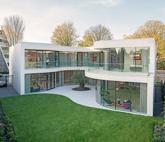 the cream brick dwelling in rotterdam responds to the clients' desire for home that maximizes privacy, a strong sense of enclosure and ample daylight throughout.