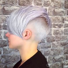 Shadow Root lilac Colourmelt I created at @rhapsody_hairdressing I lifted the hair using @schwarzkopfpro Vario Blond Plus before toning using a custom mix of #schwarzkopfprofessional #vibrance and #pearlescence Formula: Vib 9,5-1 + P9,5-29 + E-111 #hair #hairdressing #creativecolour #colourmelt #lilachair #pastelhair #iceblonde #silverhair #pixiecut #nothingbutpixies #shadowroot #schwarzkopf #blondme #creativecut #hairdressinglife #salonlife #behindthechair #unicornhair #unicorntribe ...