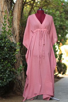 Caftan in sizes up to from Etsy store Mademoiselle Mermaid Pakistani Fashion Casual, Muslim Fashion, Dresses For Pregnant Women, Clothes For Women, Gilet Kimono, Mauve Dress, Mom Dress, Caftan Dress, Looks Chic
