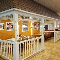 Also, check out Der Dutchman Restaurant as a second option for scrumptious Amish food. Visit Florida, Florida Vacation, Florida Travel, Florida Beaches, Florida Trips, Sarasota Florida, Florida Usa, Central Florida, Florida Keys