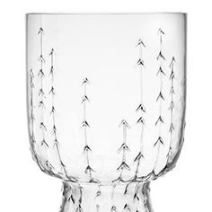 iittala Sarjaton Clear Glass - Set of 2 A stunning example of tradition merging with modern design, the iittala Sarjaton Glass Set will dazzle your friends and family. Delicately created, the upside-down, bell shaped glassware echoes rustic . Clear Glass, Wine Glass, Design3000, Glass Museum, Drinking Glass, Deco Table, Marimekko, Glass Design, Interiores Design