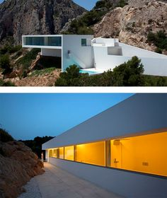 """Gorgeous house on a cliffside in Spain, designed by Fran Silvestre Arquitectos, a studio based in Valencia. """"The extremely steep plot of land offers such… Architecture Magazines, Architecture Awards, Gothic Architecture, Architecture Design, Villa Design, Modern House Design, Grid Design, Minimalist Home, Magazine Design"""
