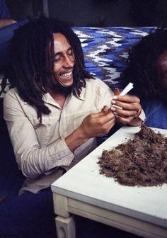 Bob Marley & The Wailers - War Dub [Rare Tuff Gong Dubplate] Bob Marley Legend, Bob Marley Art, Reggae Bob Marley, Bob Marley Quotes, Damian Marley, Rock And Roll, Bob Marley Pictures, Marley Family, Rasta Man