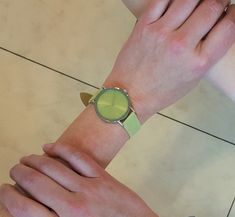 Neue Adora-Damenuhr in frischem Grün. Dame, Cuff Bracelets, Jewelry, Fashion, Fresh Green, Clock, Moda, Jewlery, Bijoux