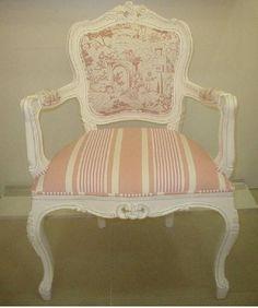 Poltrona Luis XV encosto liso com tecido toile de jouly e acento listrado. Tecido a parete . Solicite mostruario de tecidos pelo donamix@donamix.com.br ou envie seu tecido de preferencia. R$ 2.256,60