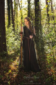 Hey, I found this really awesome Etsy listing at https://www.etsy.com/listing/191130330/celtic-princess-green-wool-costume