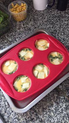 Huevos al horno, 30 minutos!!!! Huevos batidos con espinaca, queso light, jamón de pavo.