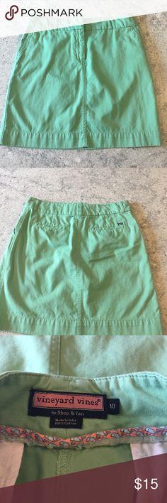 Vineyard Vines skirt Vineyard Vines green skirt in green condition. Size 10 Vineyard Vines Skirts