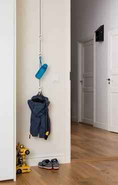 Flur Möbel Hängegarderobe Seil - #Flur #flurgestalten #Hängegarderobe #Möbel #Seil Walk In Closet Design, Engagement Ring Cuts, Platform, Trends, Blog, Interior Design Ideas For Small Spaces, Corridor, Table Seating, Hallway Furniture