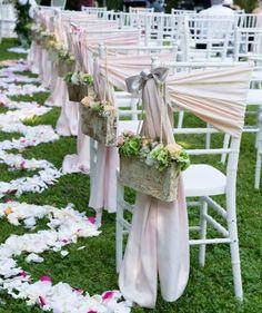 Un'idea per decorare le sedie per i vostri invitati :) :)